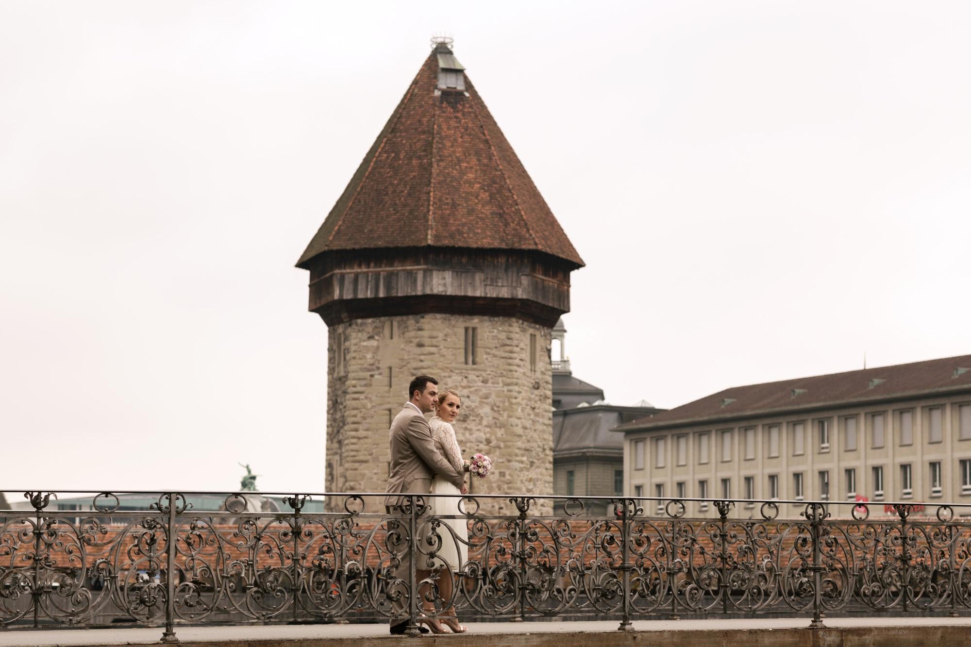 Brautpaar Fotoshooting in der Stadt Luzern
