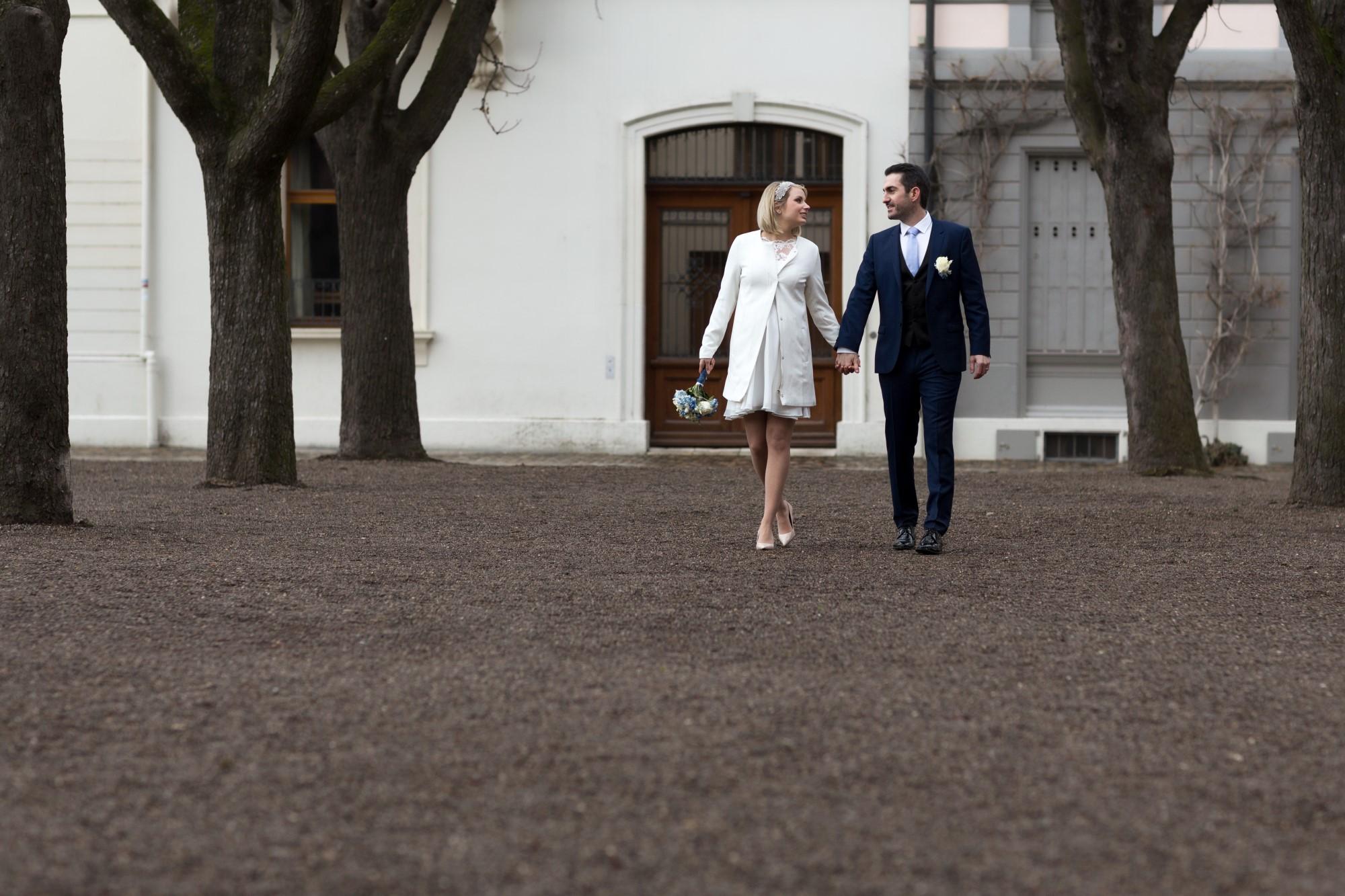 Spaziergang mit dem Brautpaar