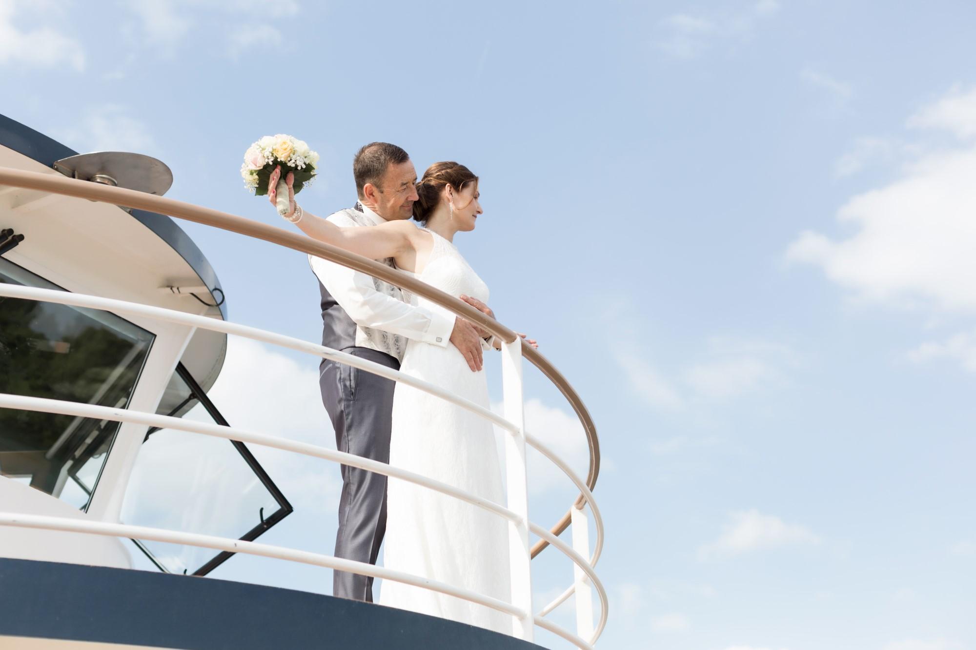 Das Brautpaar beim Fotoshooting auf der MS Christoph Merian