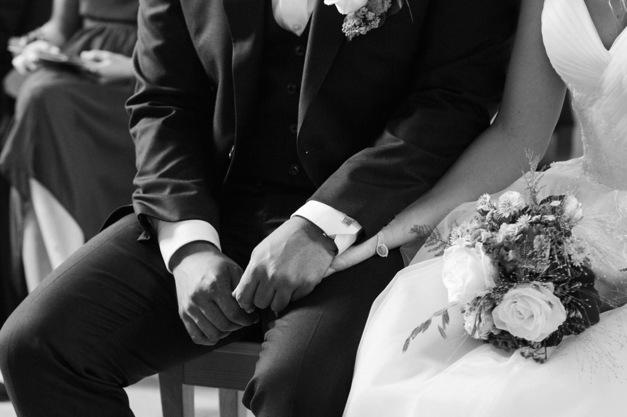 Detail Fotografie Hände vom Brautpaar