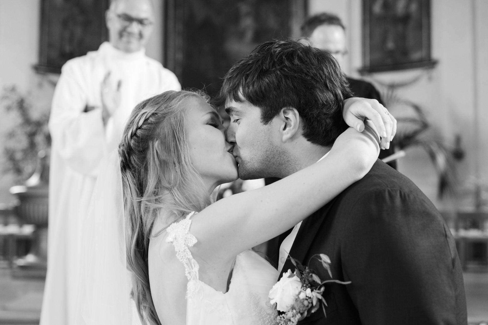 Der Kuss nach dem Eheversprechen
