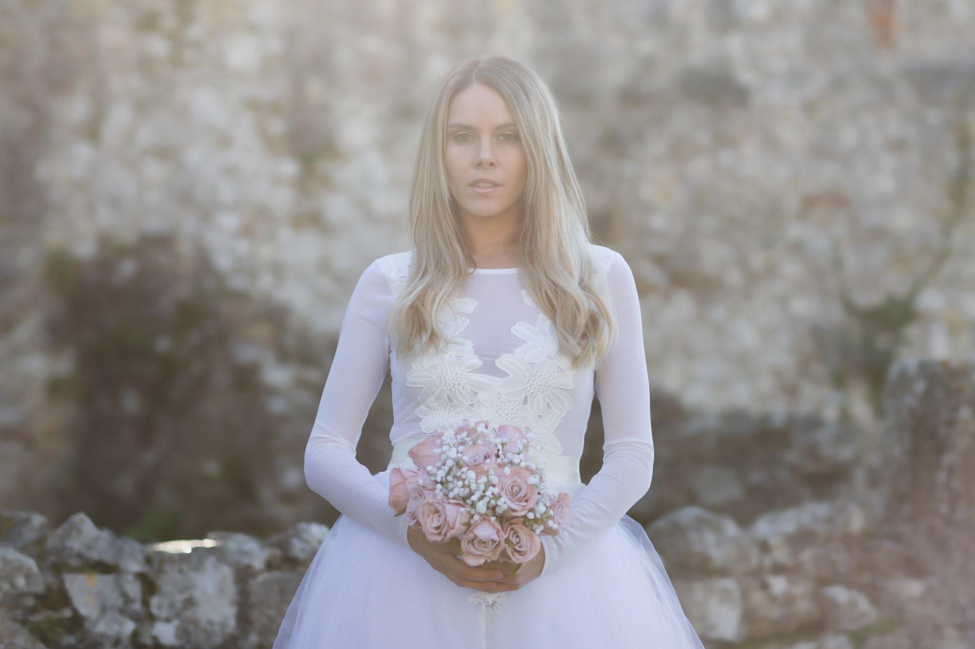 Braut Tanja beim Fotoshooting auf der Ruine Dorneck