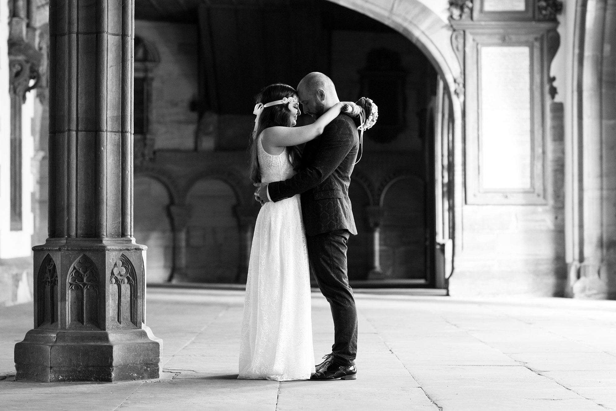 Brautpaar Fotoshooting im Basler Muenster