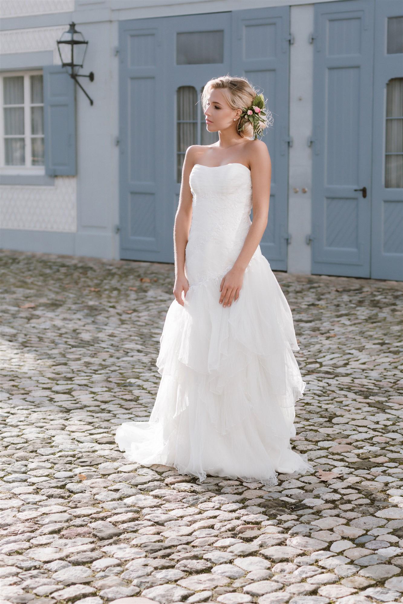 Die schöne Braut beim Schloss Ebenrain