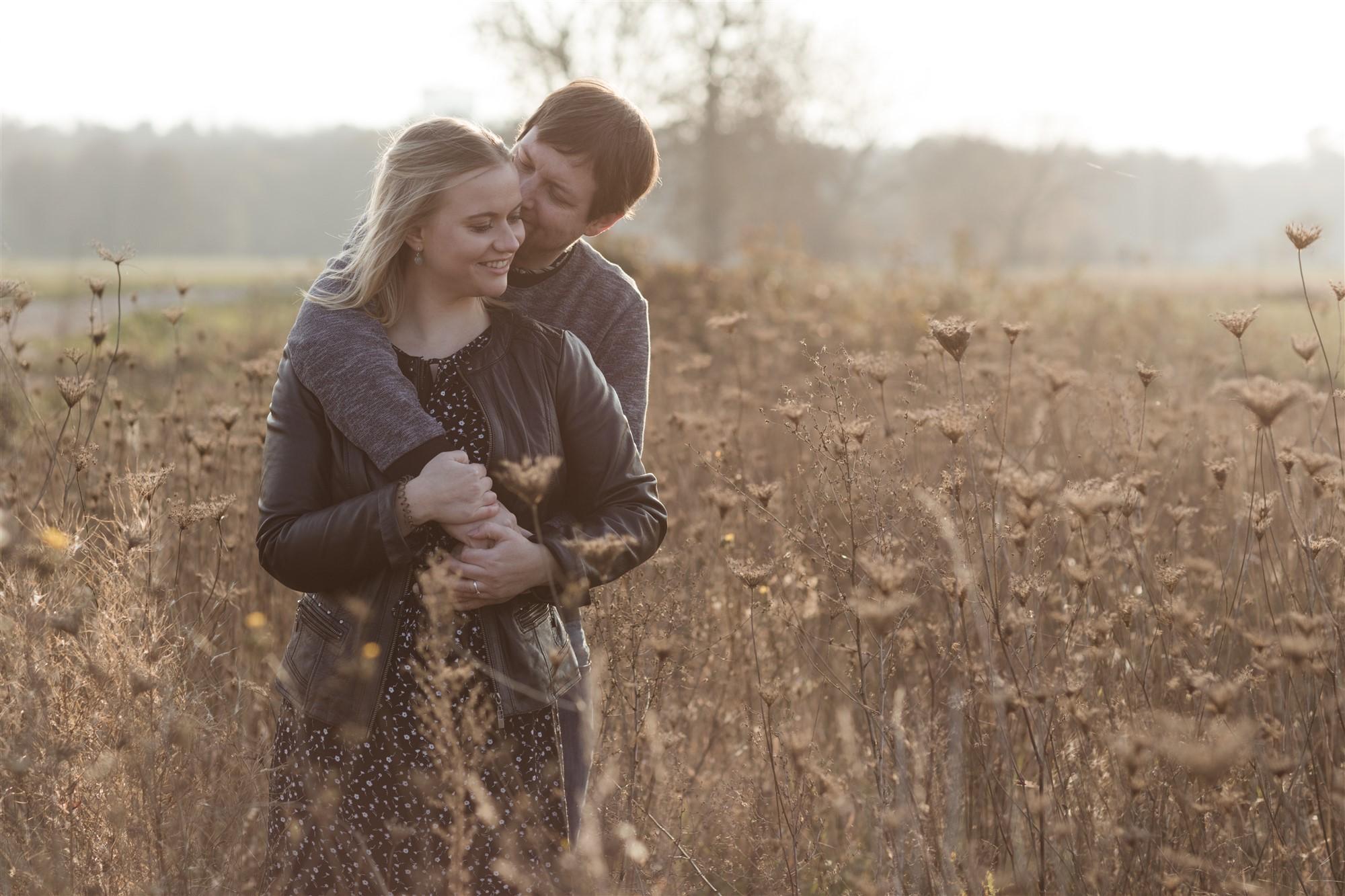 Romantisches Paar Fotoshooting mit Carole und Chris bei der Hochzeitsfotografin Nicole.Gallery
