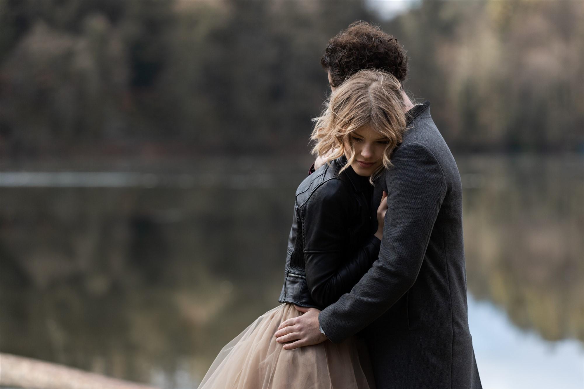 Romantisches und kuschliges Fotoshooting am Bergsee