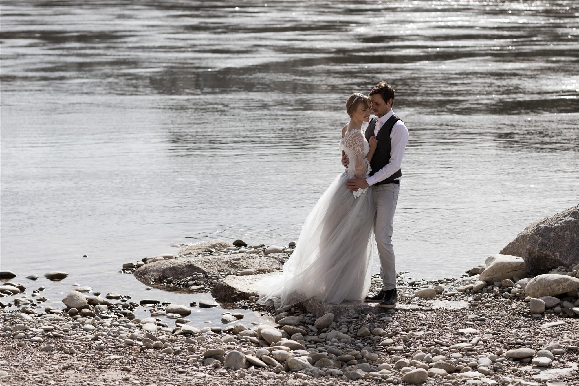 Paar Fotoshooting am Rhein in Basel mit Silvia und Manuel