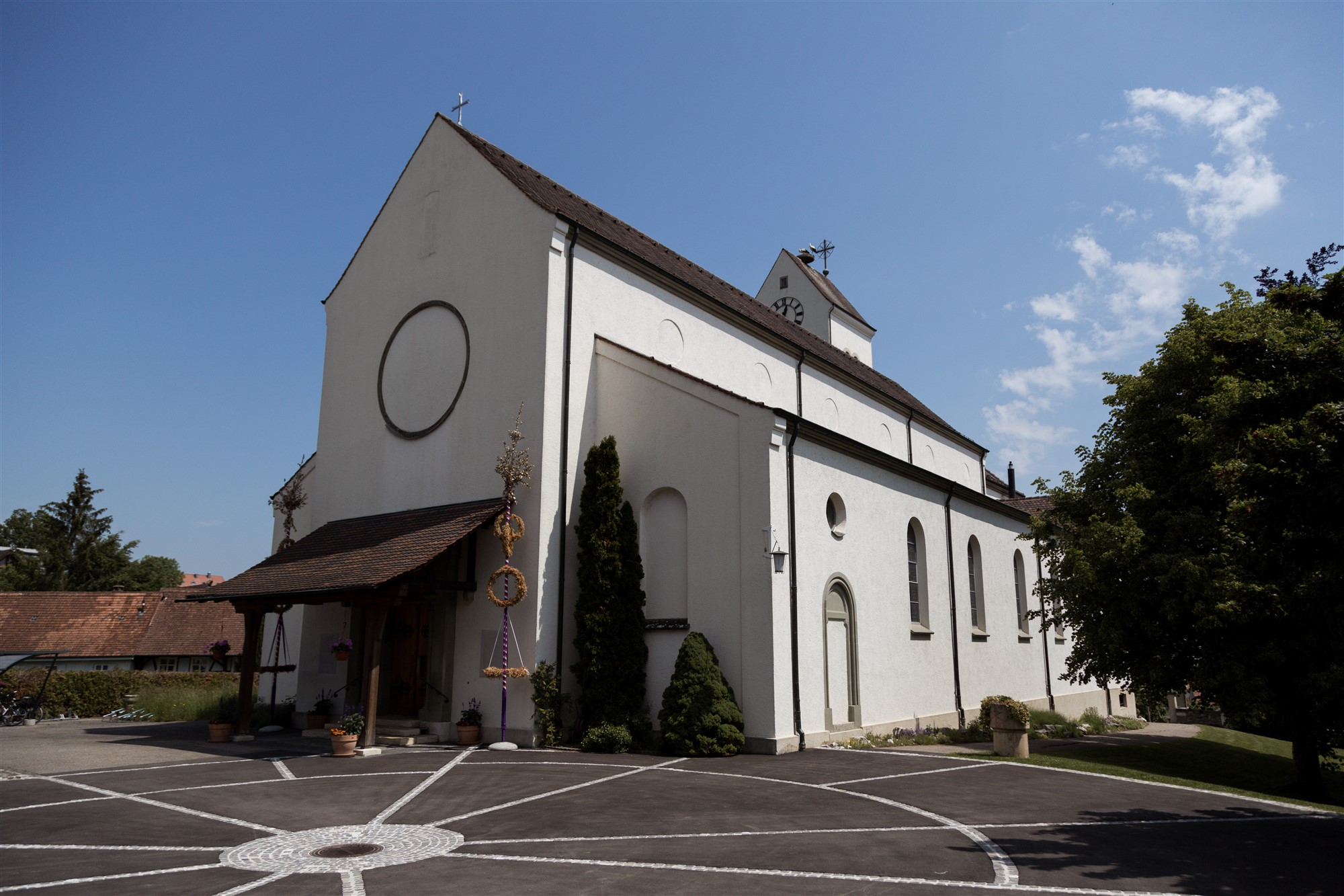 Die Kirche in Oberwil - Hochzeitsfotografin Basel