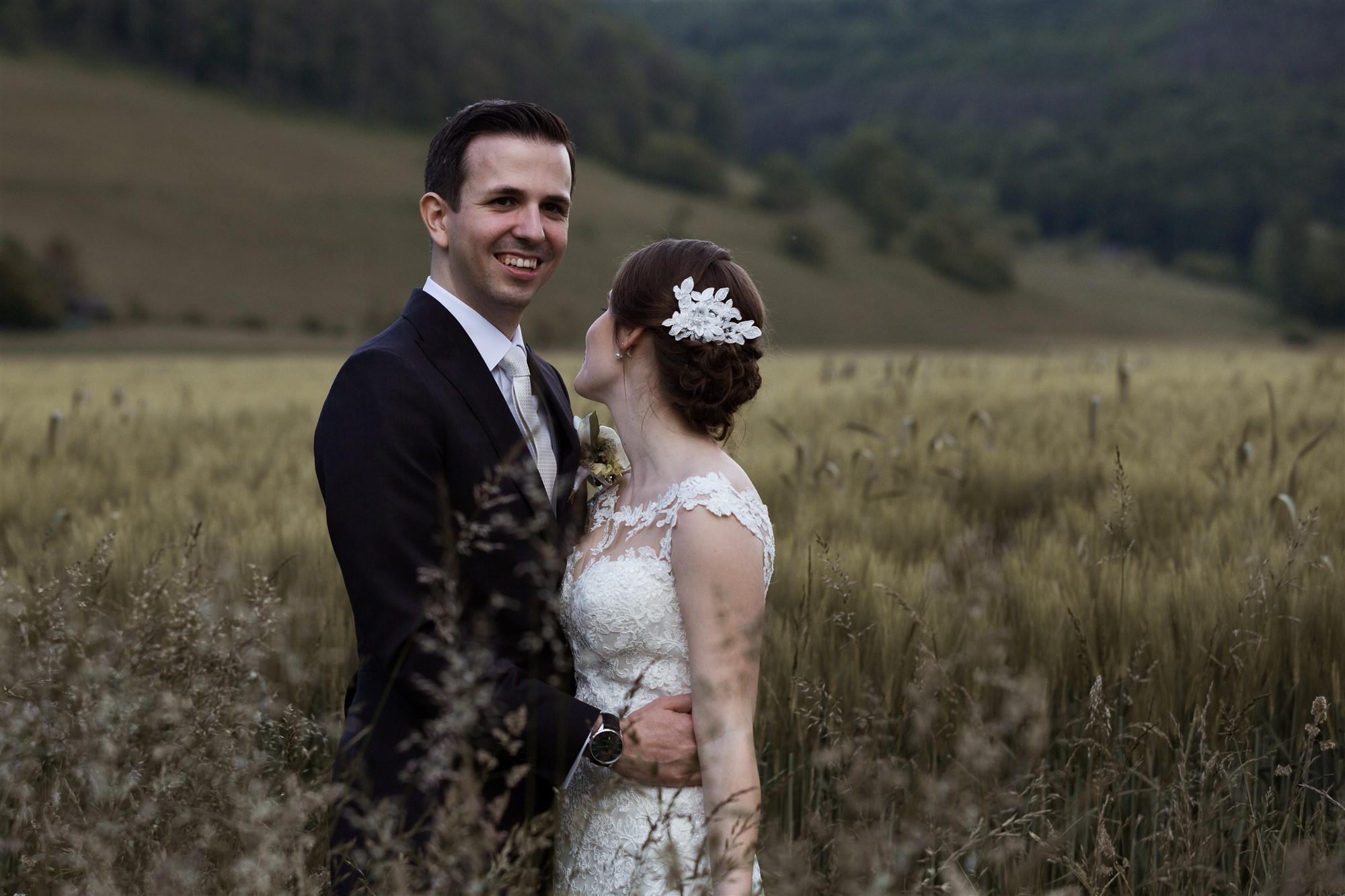 Das Brautpaar beim Brautpaar Fotoshooting - Hochzeitsfotograf Basel