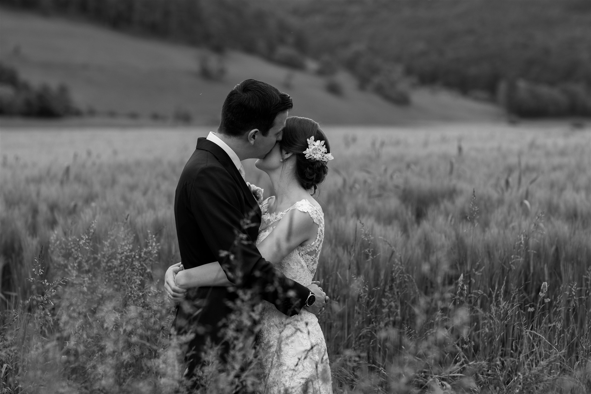 Das Brautpaar beim Brautpaar Fotoshooting - Hochzeitsfotograf Baselland
