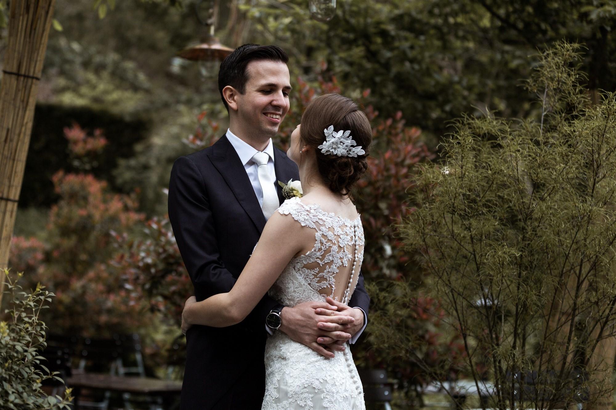 Ein natürliches Brautpaar Fotoshooting