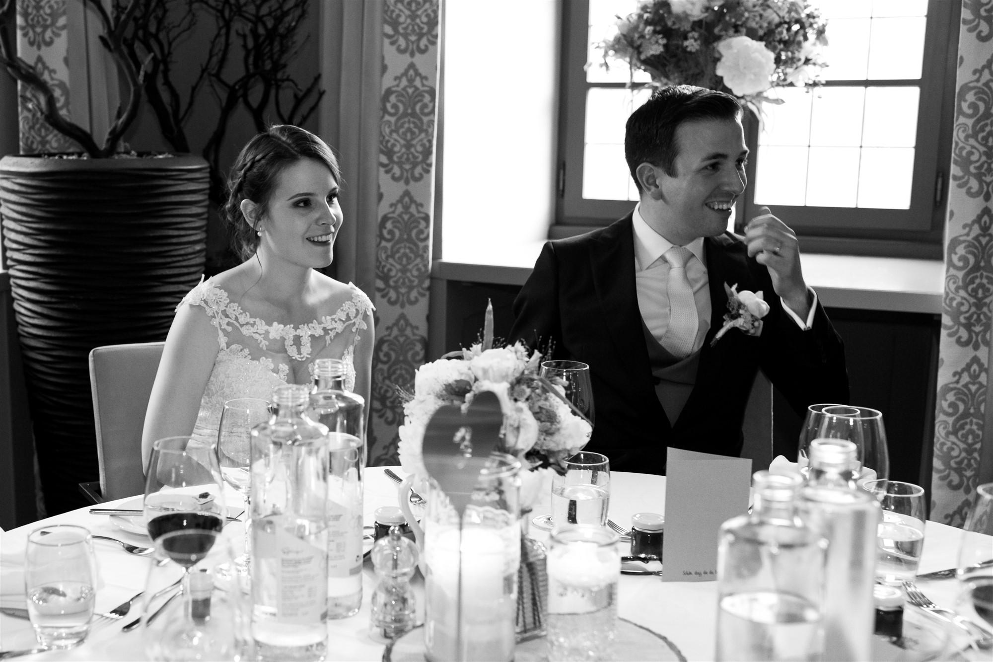 Das Brautpaar beim Hochzeitsfest im Bad Bubendorf