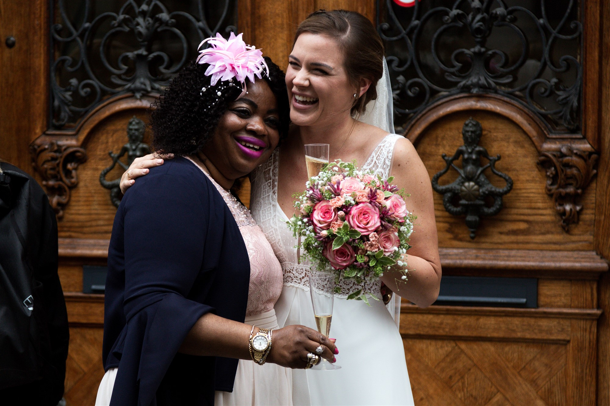 Die Schwiegermama mit der Braut