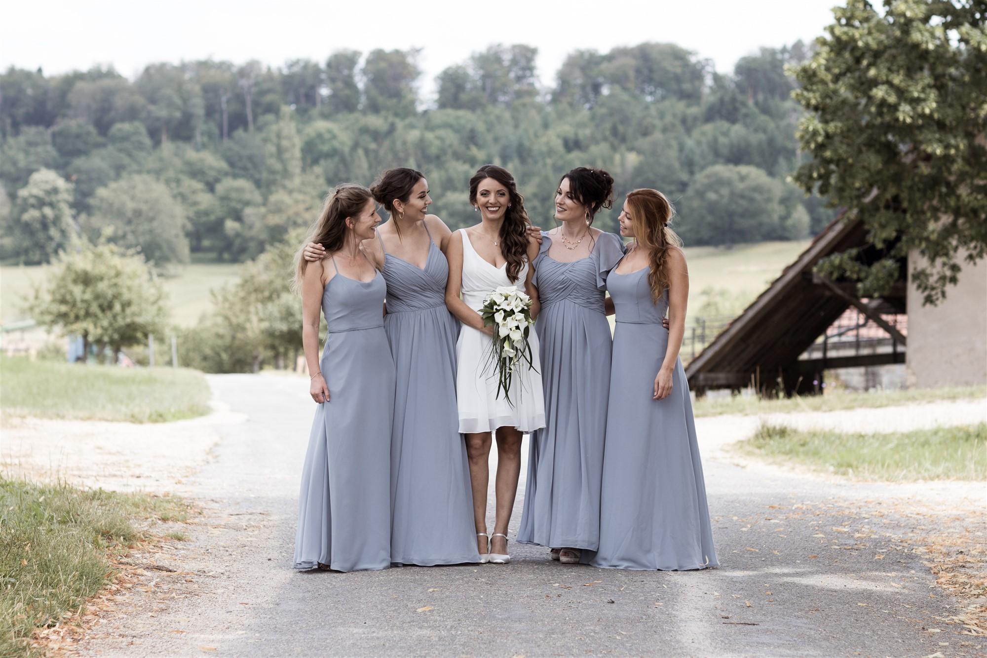 Hochzeit Schloss Wildenstein - Die Braut und ihre Brautjungfern