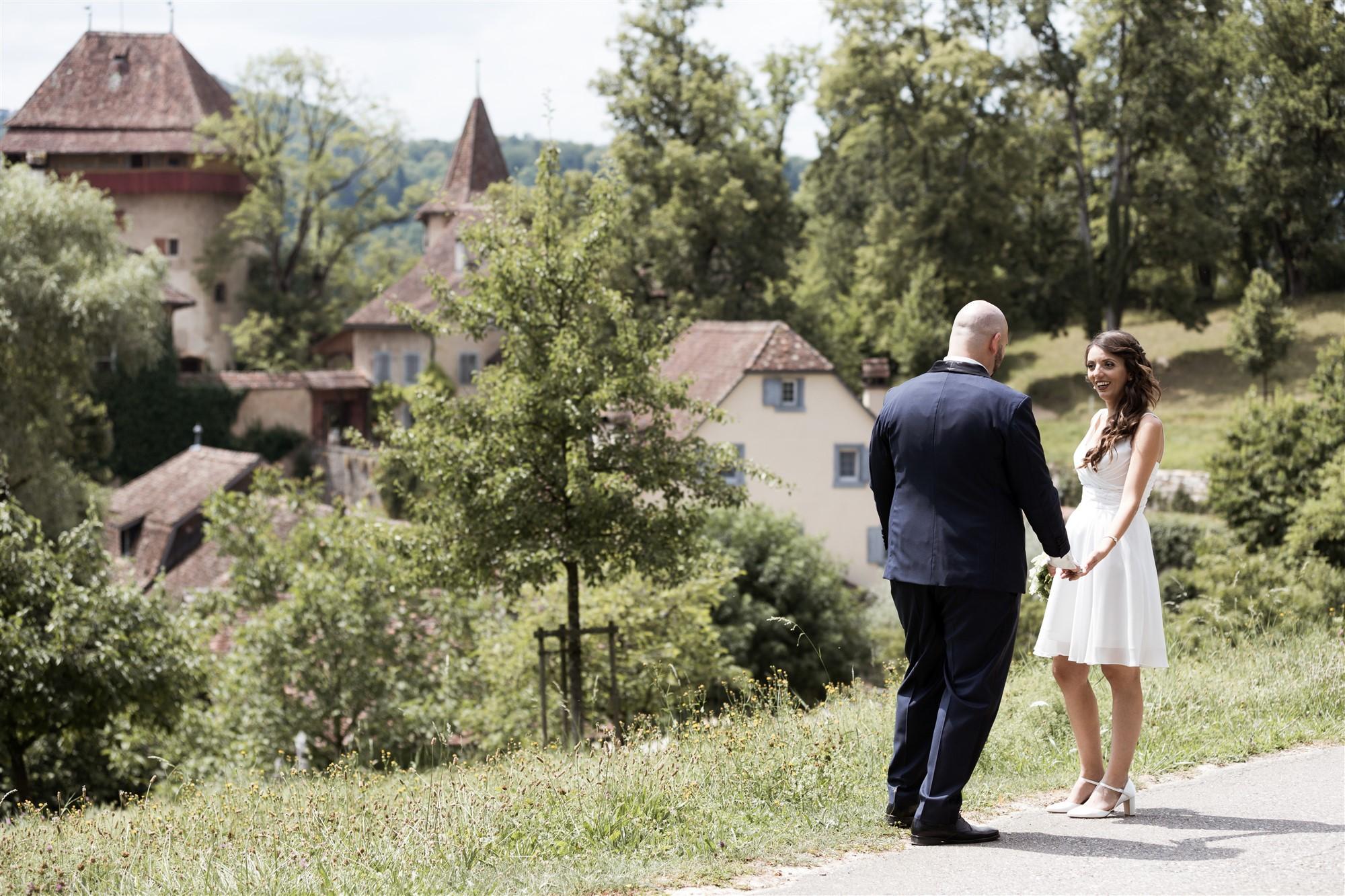Hochzeit Schloss Wildenstein - Das Brautpaar beim Fotoshooting
