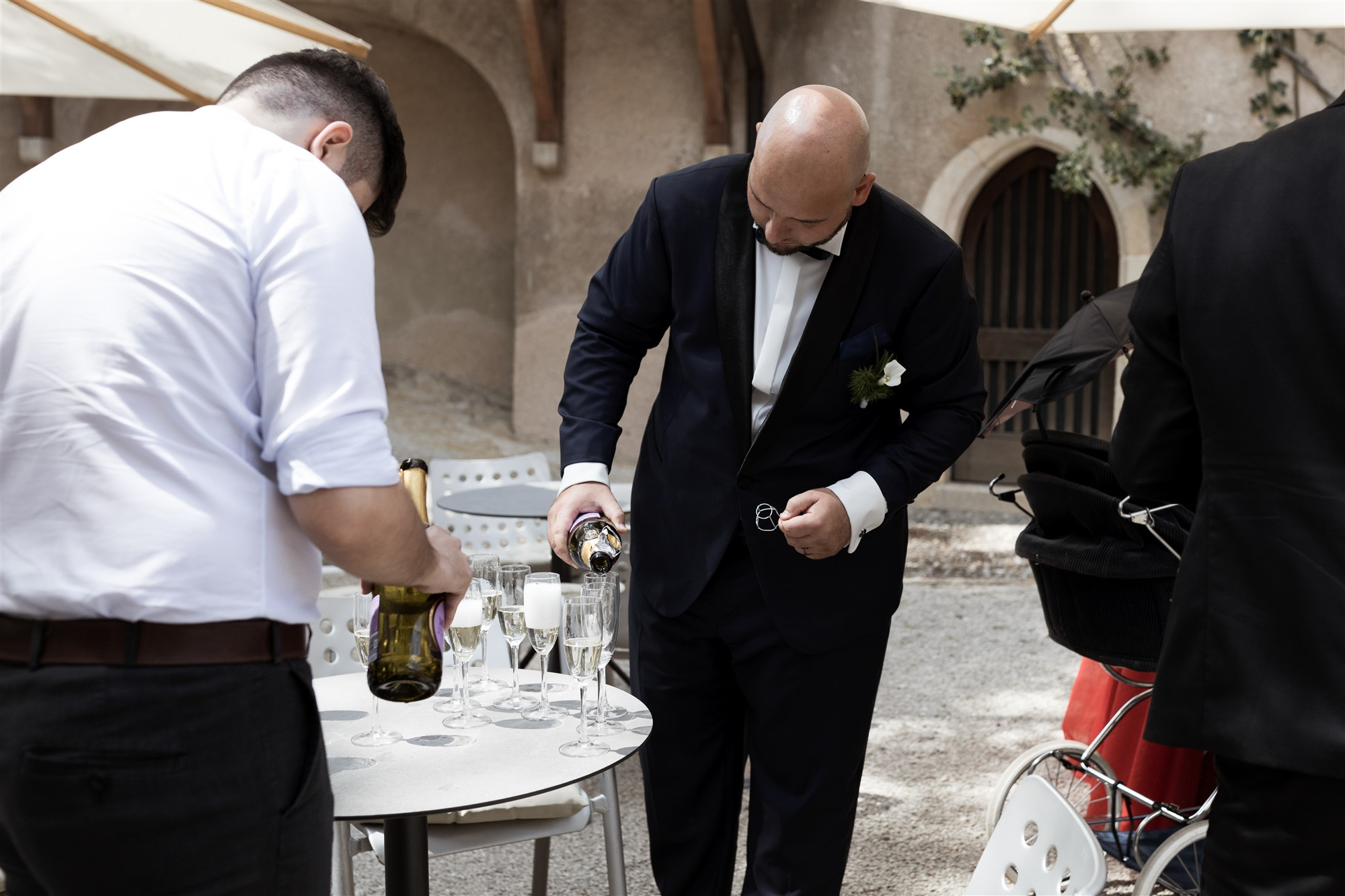 Hochzeit im Schloss Wildenstein - Apero im Innenhof