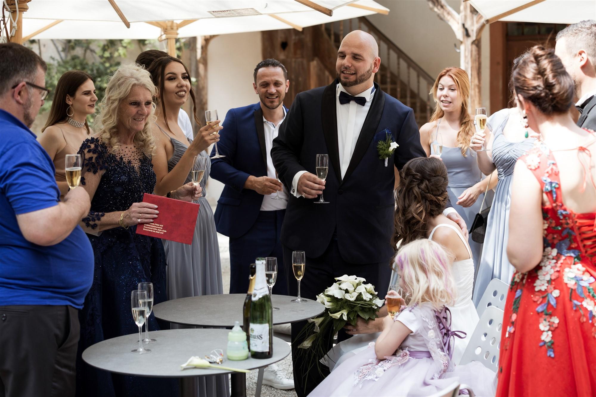 Hochzeit Schloss Wildenstein - Der Bräutigam hält eine Ansprache