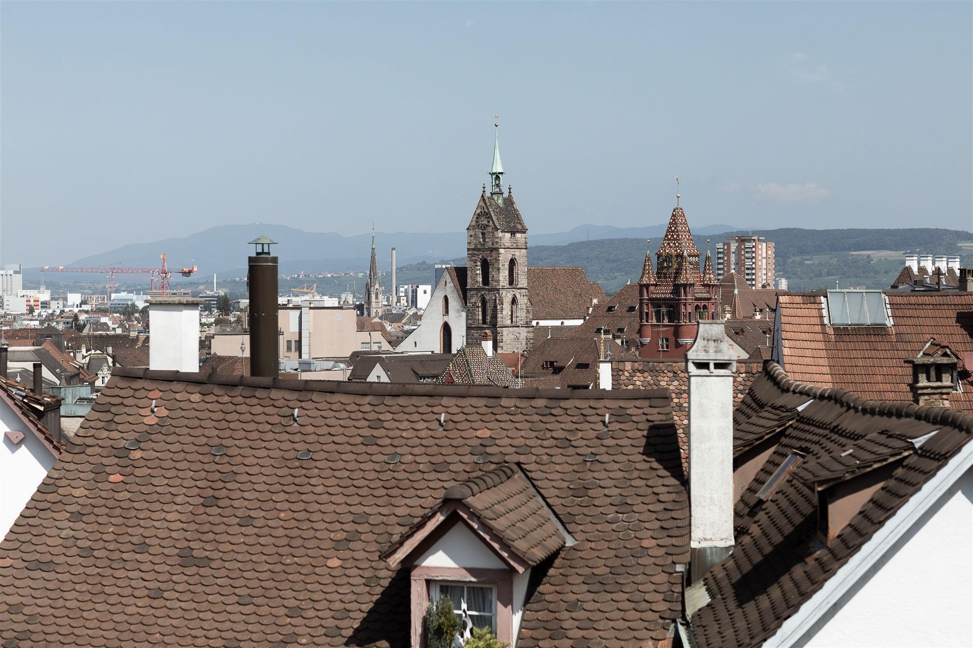 Ausblick - über den Dächern von Basel - Hochzeit - Hochzeitsfotograf Nicole Kym