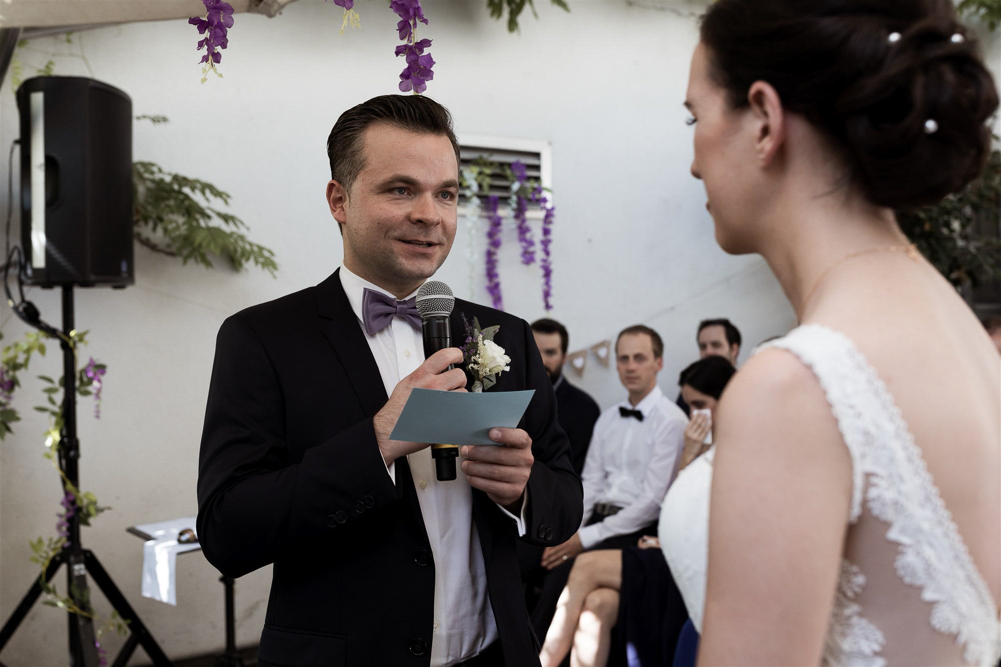 Freie Trauung im Teufelhof in Basel - Hochzeitsfotografen Nicole.Gallery