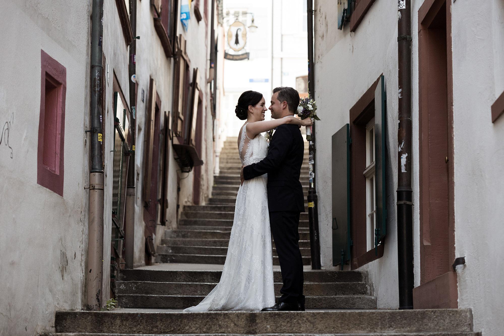 Das Brautpaar beim Fotoshooting in Basel
