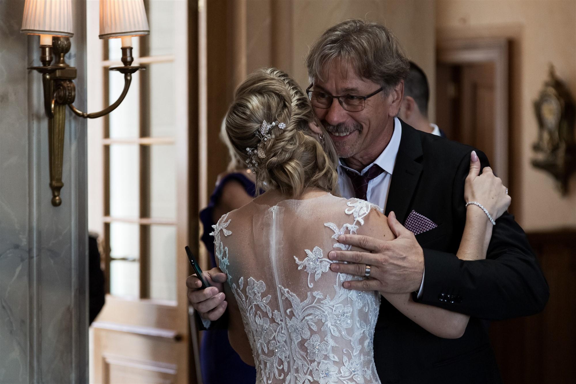 Hochzeit im Grand Hotel Les Trois Rois - Begrüssung der Gäste - Hochzeitsfotograf Basel
