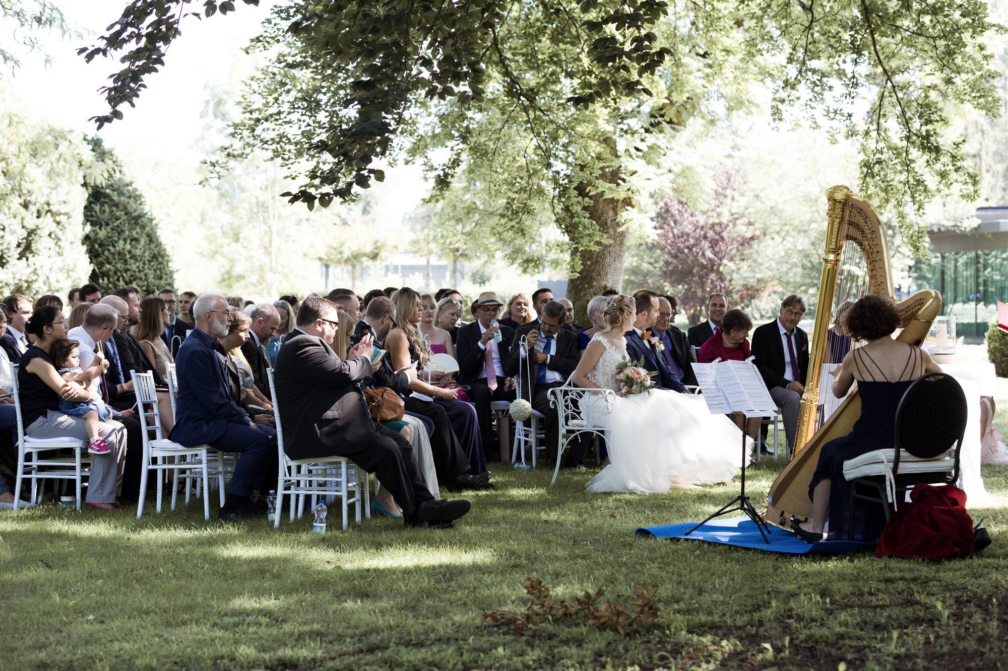 Freie Trauung im Hirzen Pavillon - Die Trauung - Hochzeitsfotograf Basel