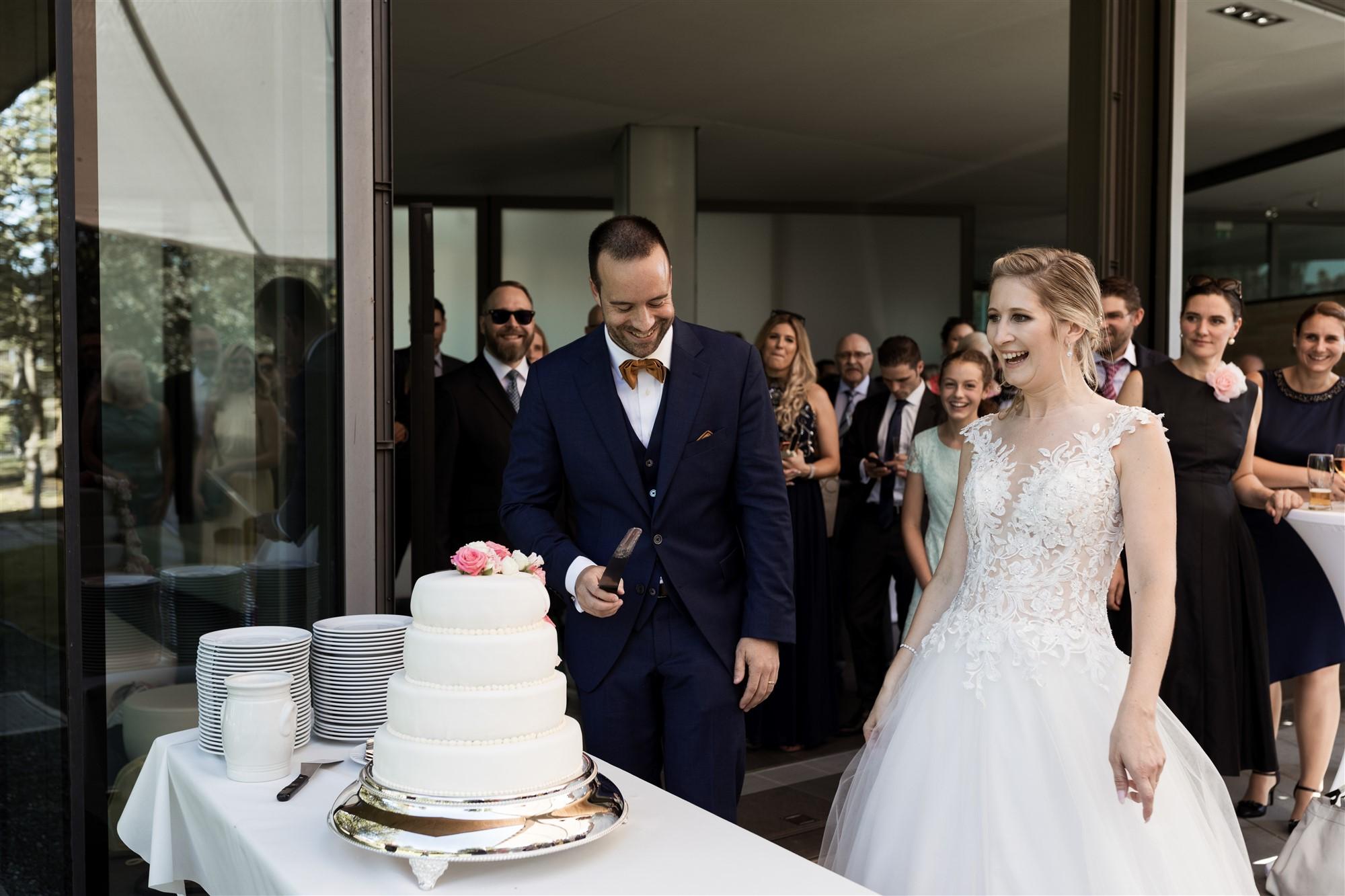 Freie Trauung im Hirzen Pavillon - Hochzeitstorte - Hochzeitsfotograf Basel