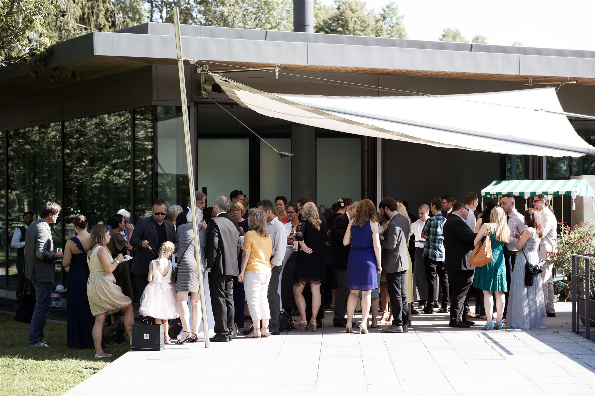 Freie Trauung im Hirzen Pavillon - Hochzeitsapero - Hochzeitsfotograf Basel