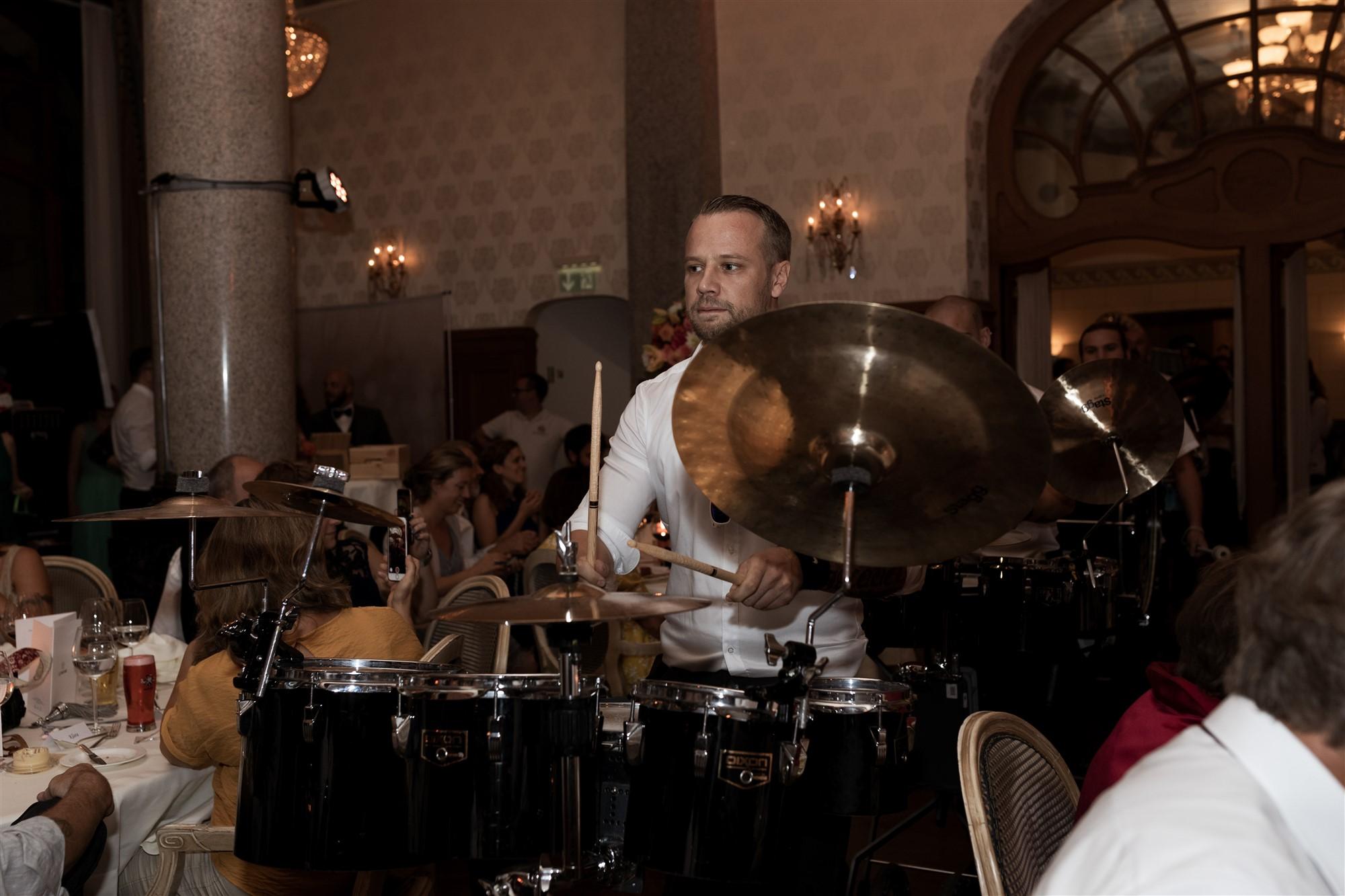 Das Hochzeitsfest im Grand Hotel Les Trois Rois - Location - Guggemusig - Hochzeitsfotograf Basel