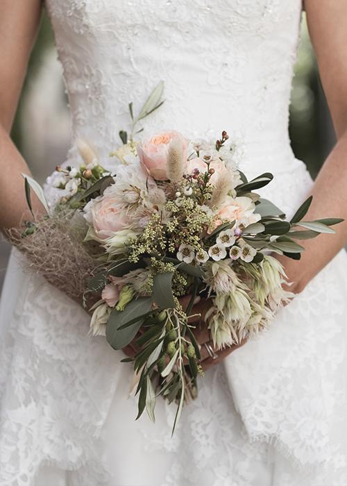 Hochzeit Arlesheim Hochzeitsfotograf Basel Baselland Braut Fotografie Hochzeitsblumen