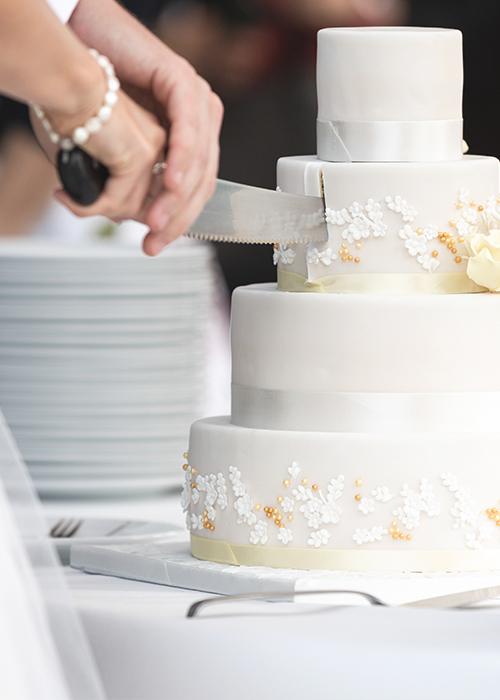 Hochzeit Hochzeitsfotograf Basel Baselland Fotografie Hochzeitstorte