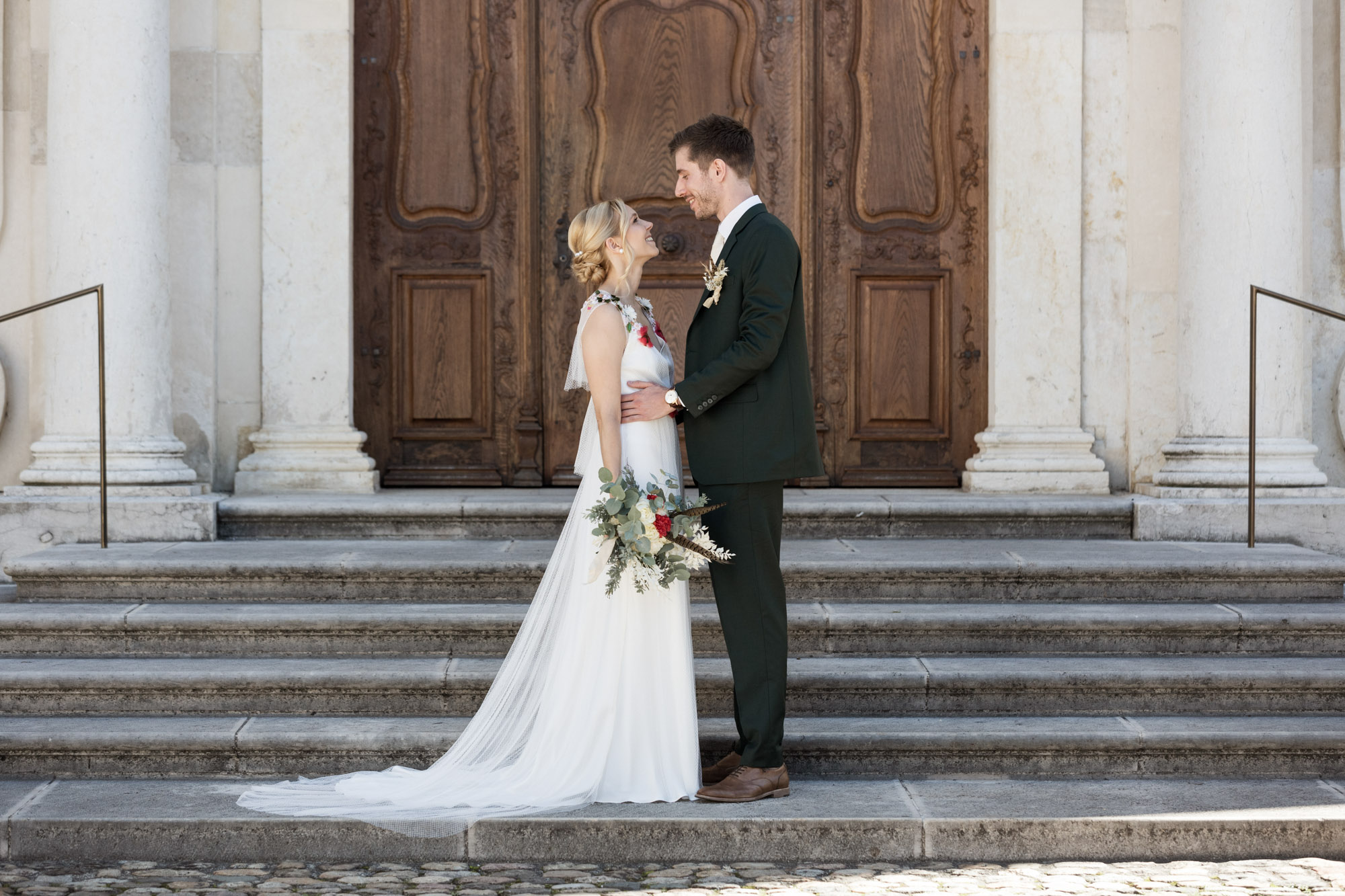 Brautpaar vor dem Dom