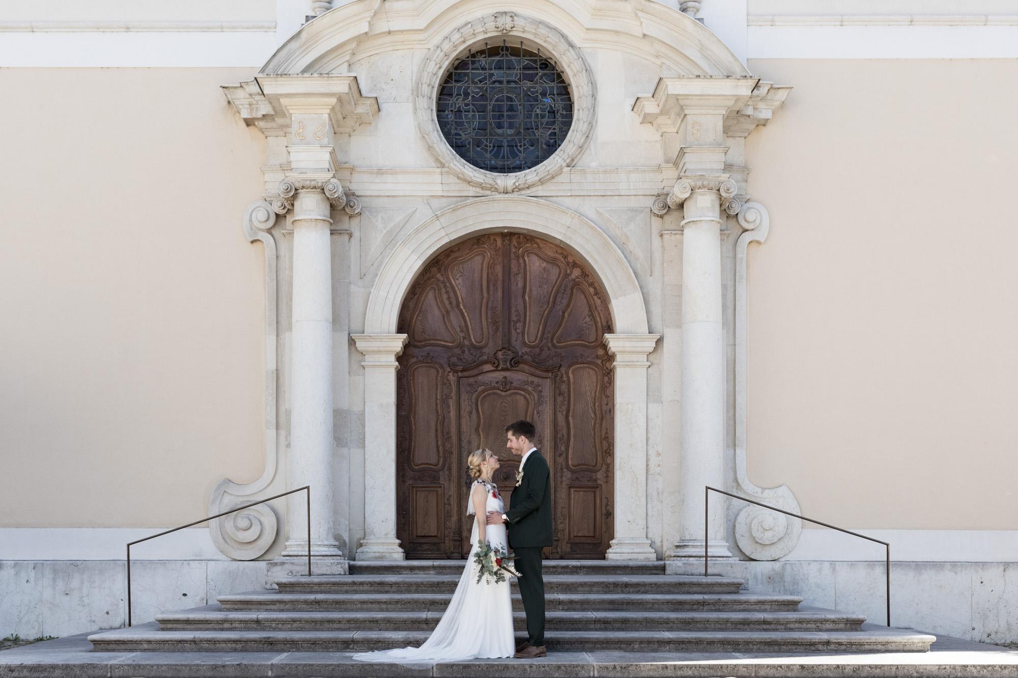 Hochzeit im Turbinenhaus Basel - Zivile Trauung in Arlesheim - Brautpaar beim Fotoshooting - Hochzeitsfotograf Basel