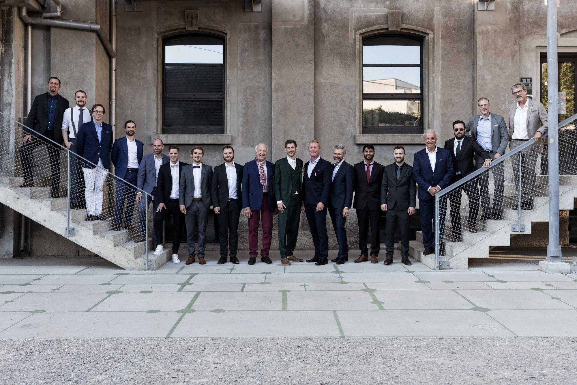 Hochzeit im Turbinenhaus in Basel - Gruppenbild Männer