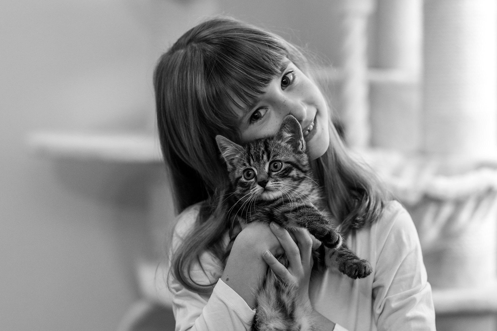 Kinderfotografie Fotografie Kurs Basel - Home Fotoshooting mit dem Kind und Haustier