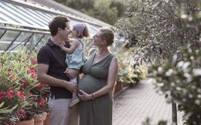 Natürliches Babybauch Fotoshooting