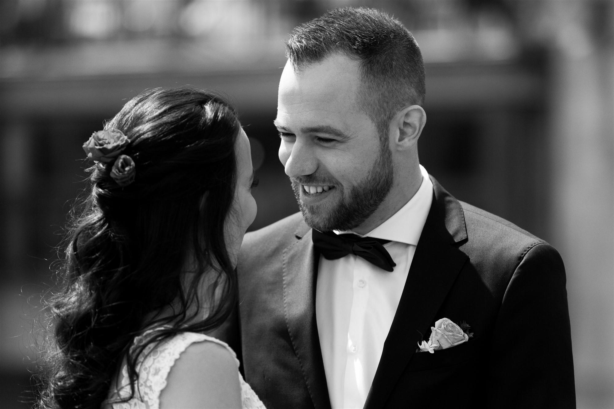 Das romantische Brautpaar Fotoshooting in Basel bei der Hochzeitsfotografn Nicole.Gallery