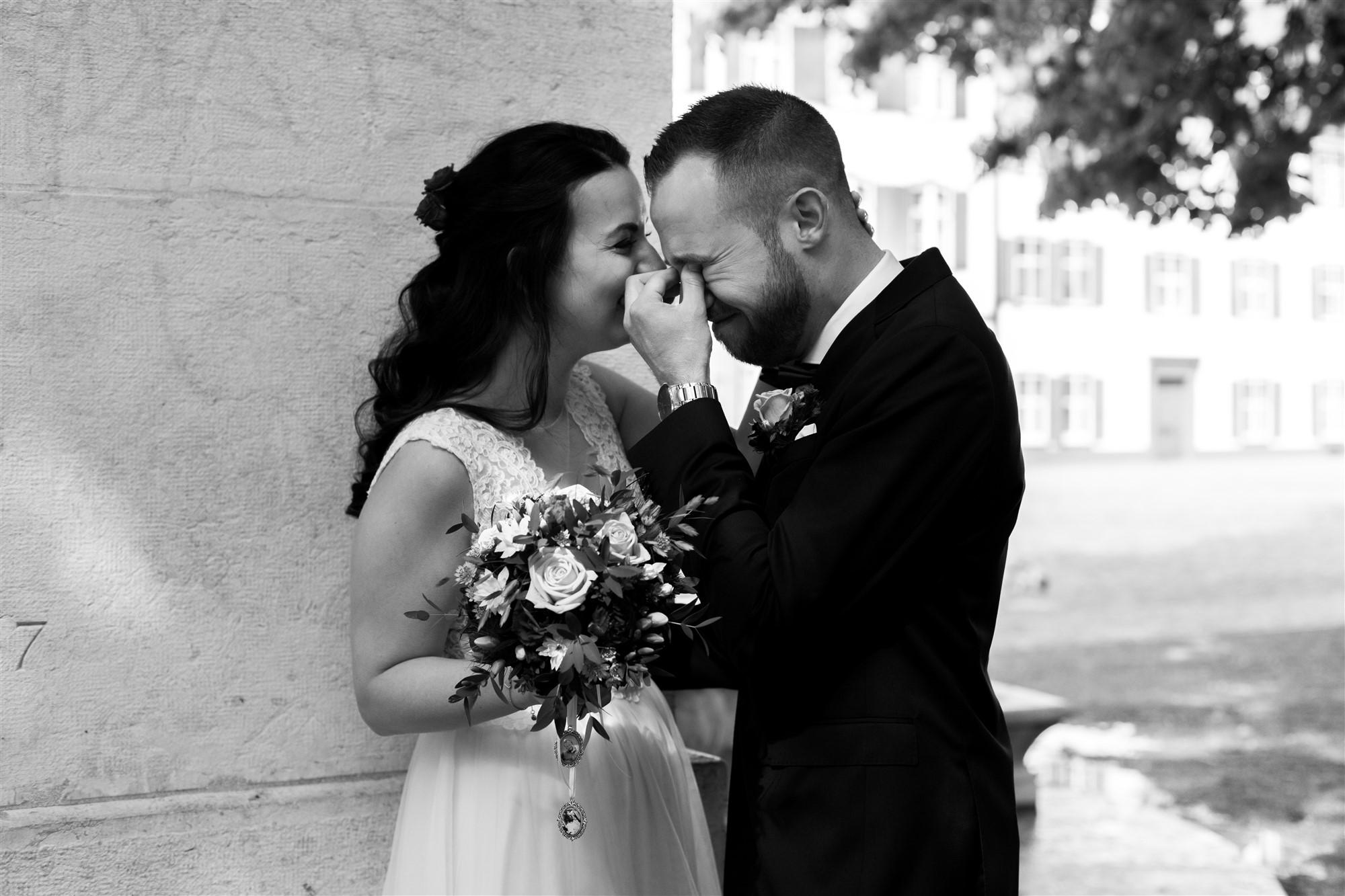 Der Bräutigam weint vor Glück - First Look - Hochzeitsfotografen Basel