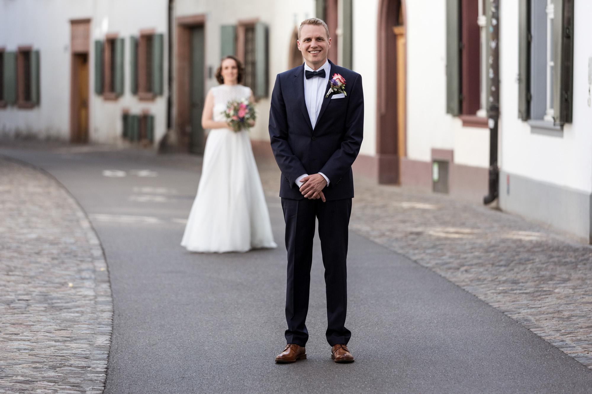 First Look des Brautpaares - Hochzeit in Basel - Hochzeitsfotografen Basel
