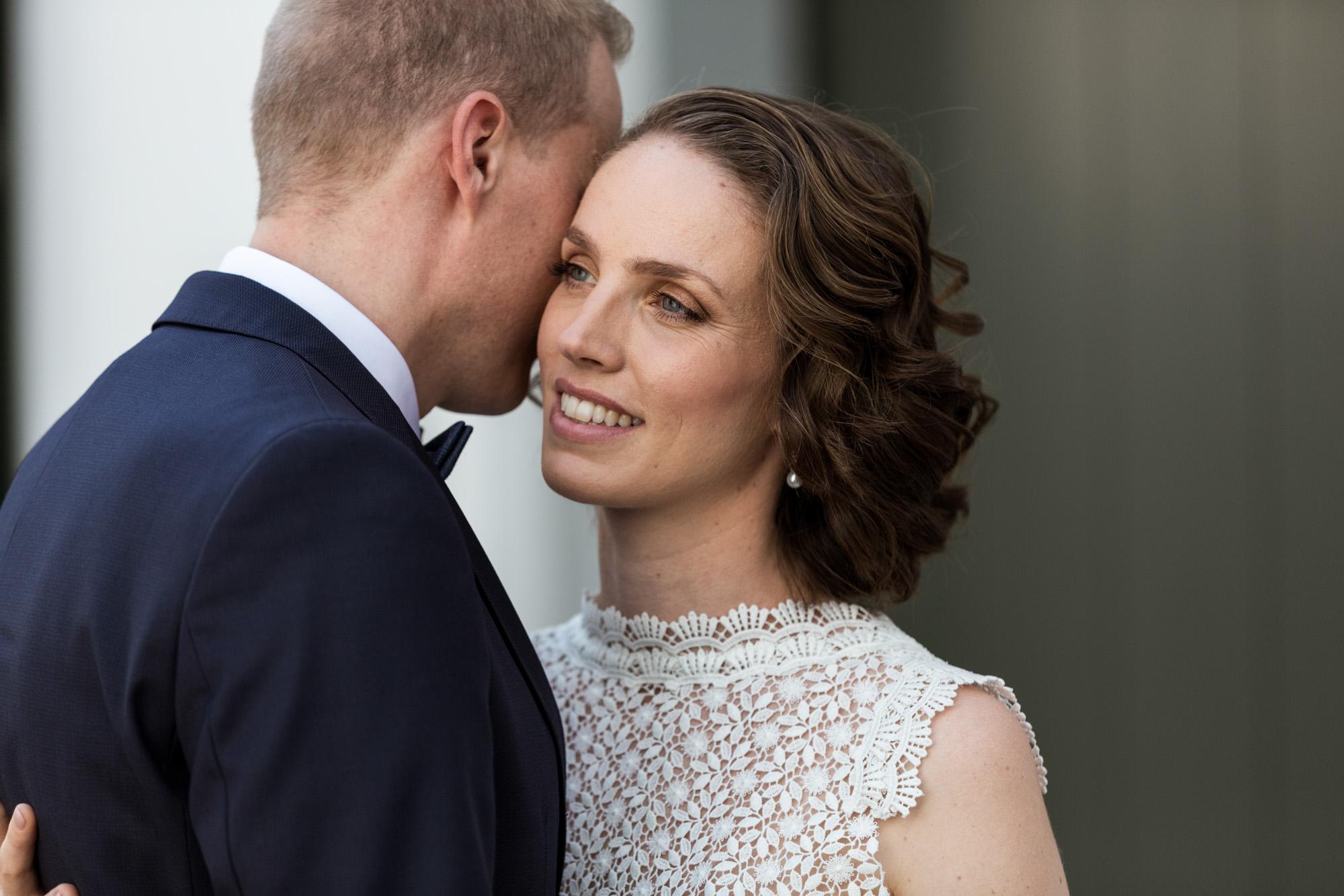 Brautpaar beim Fotoshooting - Hochzeitsfotografen Basel