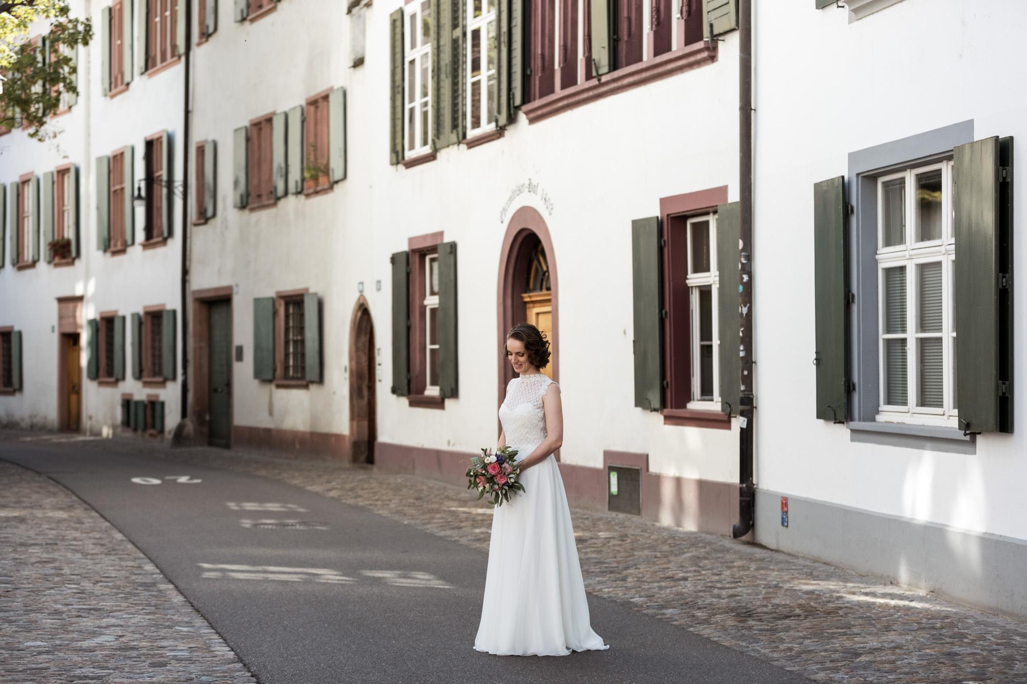 Die wunderhübsche Braut - Heiraten in Basel