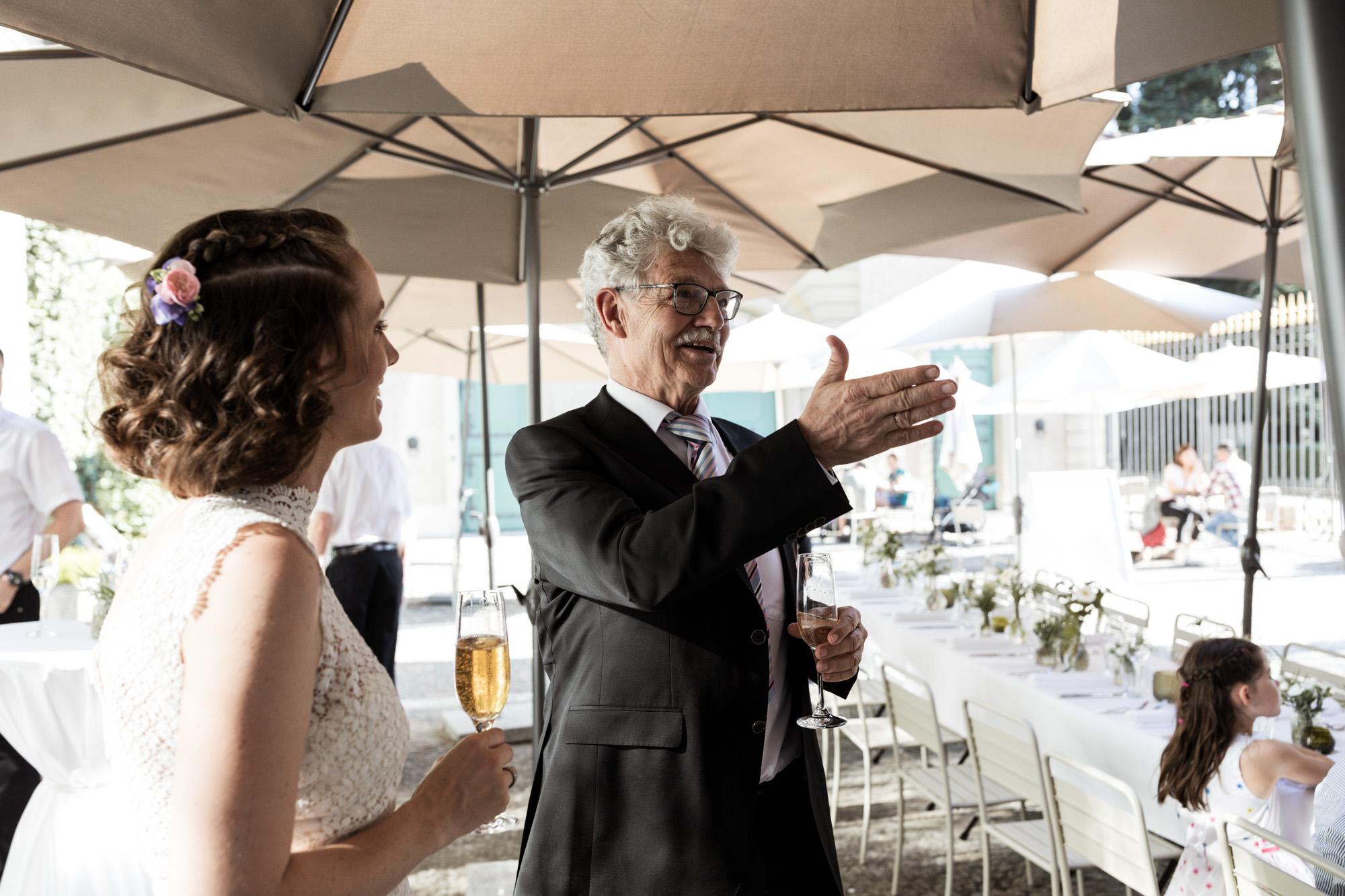 Ansprache vom Papa der Braut - Wenkenpark Hochzeitslocation - Hochzeitsfotografen Basel